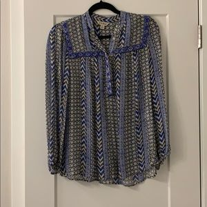 Light weight button blouse